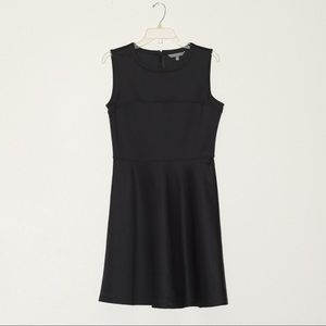 Nwot Daisy Fuentes sleeveless little black dress